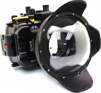 Panasonic Lumix GH5 underwater camera case with dome port